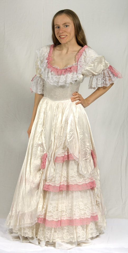 Scarlet Ohara Costumerhett Butlerabe Lincolngone With The Wind